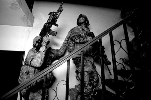 Zoriah_ir2_iraq_raids_baghdad_arm_2
